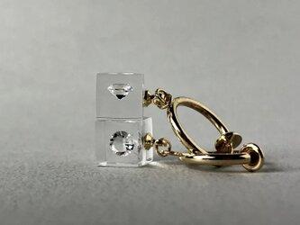 キュービックジルコニア 耳元に浮かぶイヤリング ゴールドカラー(ギフト, 誕生日プレゼント, ギフトラッピング, お呼ばれ)の画像