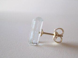 アクアマリンの結晶原石ピアス/Pakistan 片耳 14kgfの画像