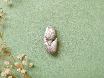 チューリップ2(シルバー) 陶土ブローチの画像