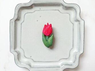 チューリップ4(レッド) 陶土ブローチの画像