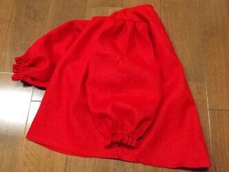 キレイな赤リネンボリューム袖のトップスの画像