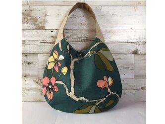 たまご型バッグ ワンハンドル 水彩画のような花柄の画像