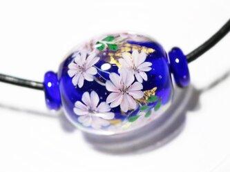 桜のとんぼ玉(ガラス玉)金箔入り 紺の画像
