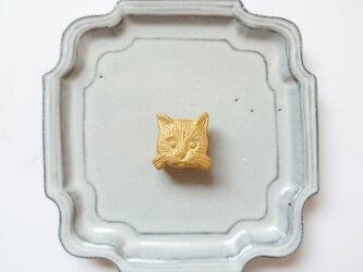 猫の顔1(ゴールド) 陶土ブローチの画像