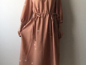 着物リメイクワンピース オレンジ桜の画像