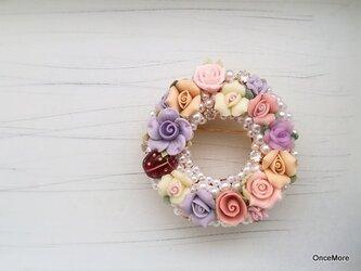 【現品限り】お花のリースブローチの画像