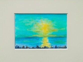 絵画 インテリア 額絵  水彩と色鉛筆のコラボ画 空と海と光との画像