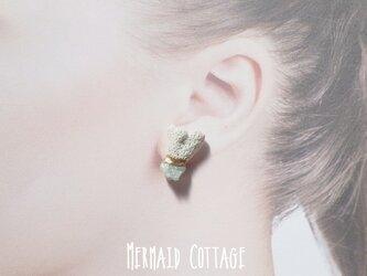 ☆3月誕生石☆珊瑚とアクアマリン原石の金継ぎピアス☆チタンポスト(アレルギー対応)の画像