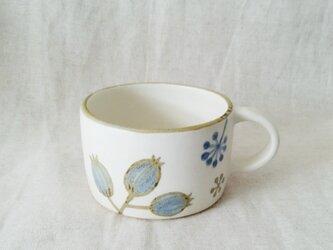 花と実のマグカップの画像