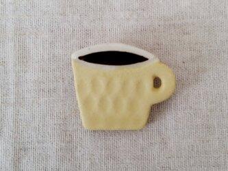 コーヒーカップブローチ(黄色)の画像