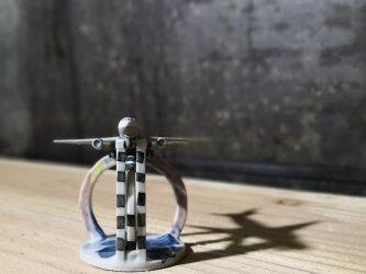 飛行機スタンド(虹とビルを越えて)(11-10)の画像