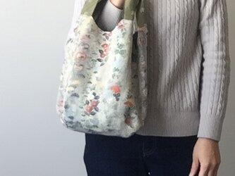 着物地の手提げバッグ パステル椿の画像