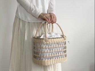 透かし編みカゴバッグ(グレー)の画像