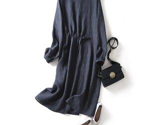 綺麗に着こなしたい、主役ワンピ 刺繍いり リネン100% 長袖ワンピース210303-2の画像