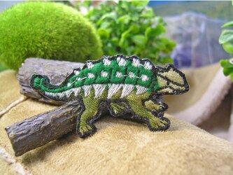 人気の恐竜/アンキロサウルス/カモフラージュ★ワッペン★迷彩b5.5-1枚の画像