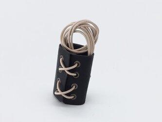 丸紐ヘアアクセ ロング (イタリアンレザー ヴィヴィドブラック)の画像