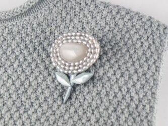 ムーンストーンと小さな真珠の画像