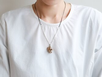 Bell grape necklaceの画像