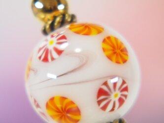 オレンジと赤のお花のとんぼ玉かんざし 二本足の画像