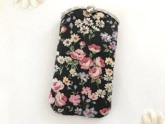 スマホケース 花柄 黒の画像