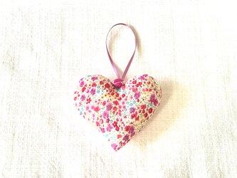 リバティプリントのハート(フィービー)濃いピンク色の画像