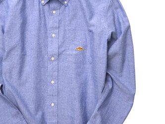 ボタンダウンシャツ【サックスブルー】;クロワッサン刺繍付きの画像