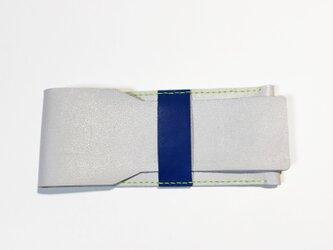 牛革のペンケース(ライトグレー×ブルー)の画像