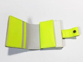 牛革のお財布(ホワイト×ネオンイエロー×ライトグレー)の画像