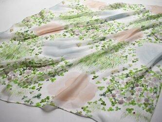 シルクローンスカーフ「シロツメクサ」の画像