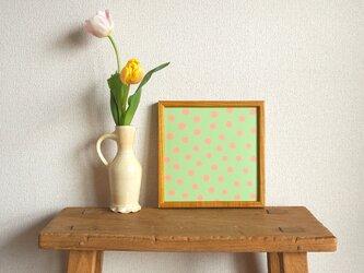 「mimosa dot(green tea & coral)」20cm角ポスターの画像