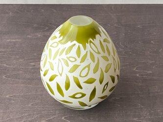 pattern vase leafsの画像