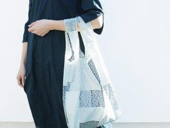 《新聞掲載》【akari】エコバッグ 折りたたみ ◎ご自宅でお洗濯も◎買いものバッグ コンパクト パッチワーク モノトーンの画像