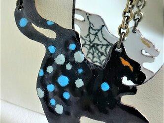 水玉蜘蛛ノ巣化猫ネックレスの画像