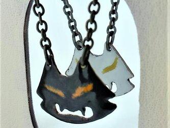 白黒化猫ネックレスの画像