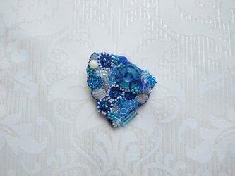 #36  刺繍ブローチ 青いカケラの画像