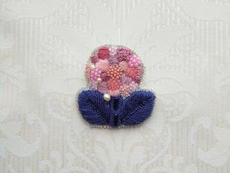 #37  刺繍ブローチ ピンクのお花の画像