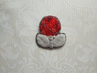 #38  刺繍ブローチ 赤いお花の画像