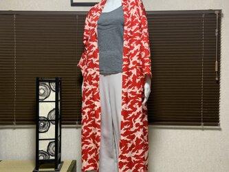 春から羽織れる着物から作ったローブ 雲隠の画像