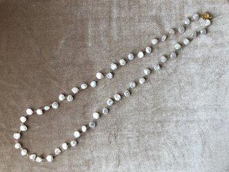 花びらパールのネックレスの画像