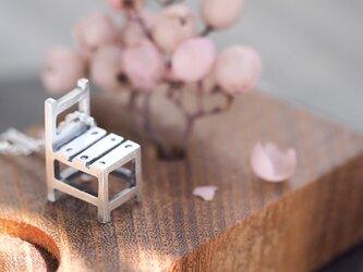 古びた 椅子 ミニチュア ネックレス シルバー925の画像