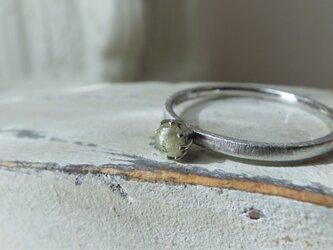 1点もの PT900原石ダイア 0.16ctのリングの画像