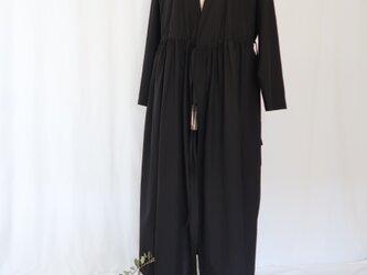春夏素材・黒コットンブロード♡カシュクールワンピース♡羽織もの・レイヤード・きれいめ・ロング丈の画像