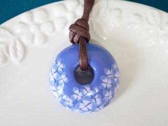 ドーナツペンダント |青紫とあじさい柄の画像