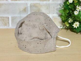 不織布マスクカバー   コットンレース(ガーゼ付)花柄  グレージュの画像