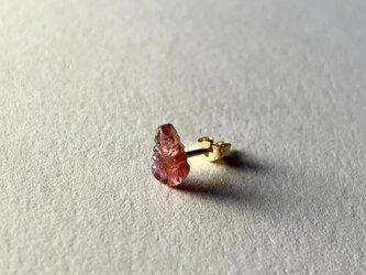ピンクトルマリンの葉っぱの片耳14kgfピアスの画像