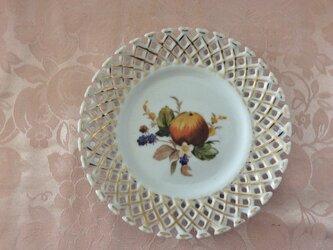 りんごとベリーの絵皿の画像
