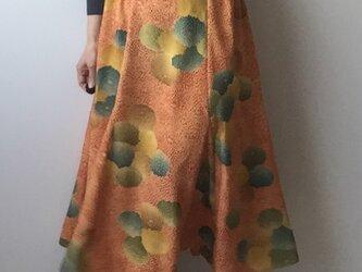 着物リメイクスカート 菊 フレアの画像