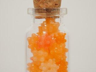 こんぺいとうのびんづめ オレンジ系の画像