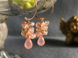 〈14kgf〉桜色のフープピアスの画像