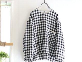 gingham linen chest pocket topの画像